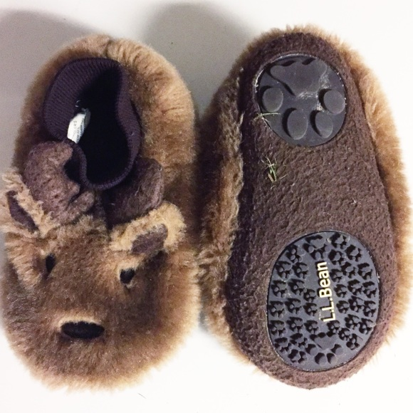 137a1ec637f7 L.L. Bean Other - LL Bean Fuzzy Toddler Slippers Sz 9-10